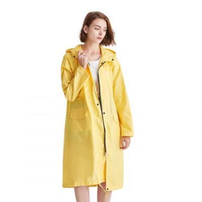 黄色レインコート